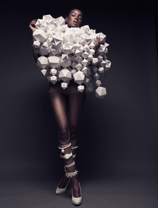 Потрясающие костюмы из бумаги от Беа Шенфельд (Bea Szenfeld).