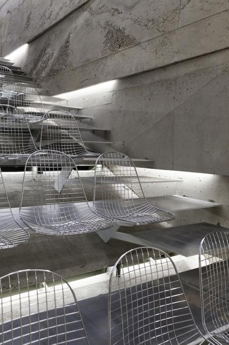 Зал Питера Хэмерла (Peter Haimerl): вид изнутри.