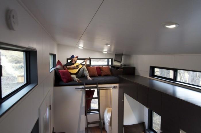 Импровизированная гостиная на втором этаже.