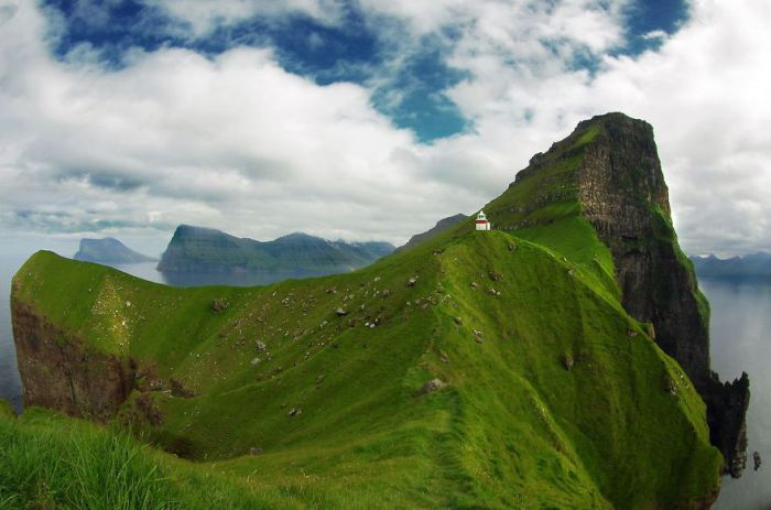 Домик на Фарерских островах.