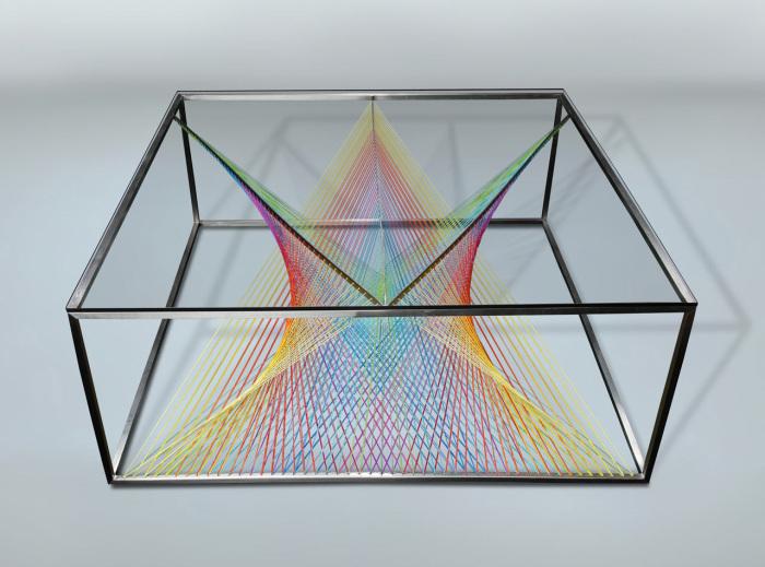 Оригинальный дизайн кофейного столика от Maurie Novak.