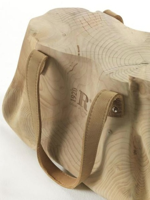 Mondana - стул в виде женской сумки.
