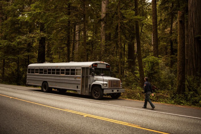 Проект дома в автобусе от Hank Butitta.