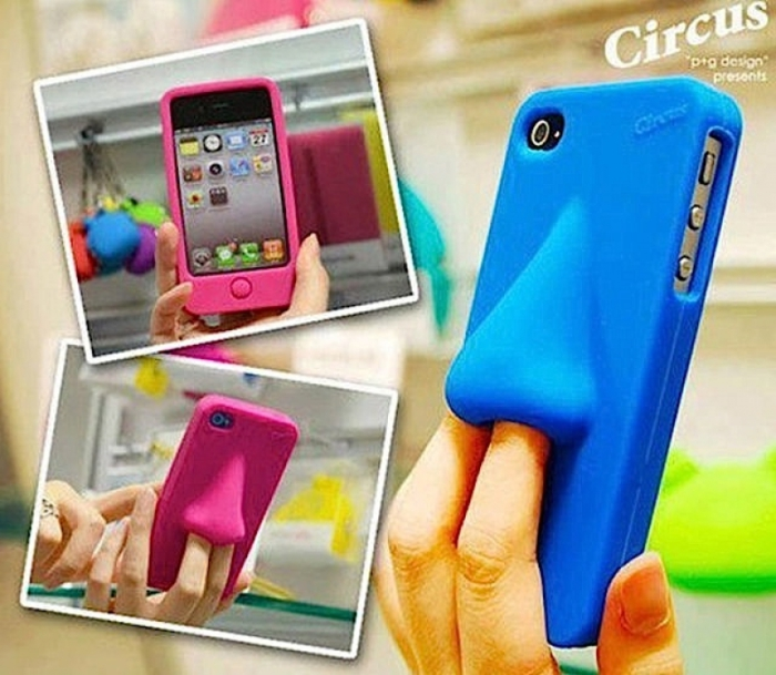 Футляр для смартфона с удобным держателем для пальцев.