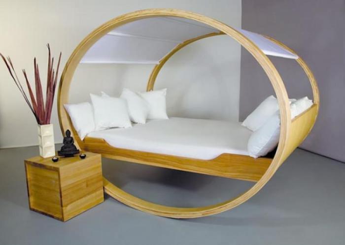 Необычный дизайн кровати-качалки для взрослых.