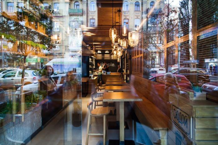 Приятная атмосфера в ресторане «Simple.».