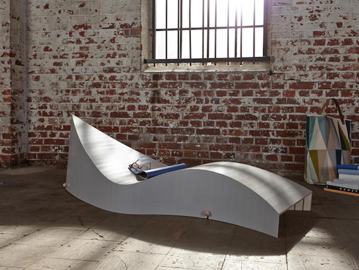 Оригинальная софа в форме волны от Саши Аккерманна (Sascha Akkermann).