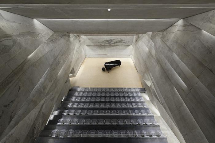 Концертный зал Питера Хэмерла (Peter Haimerl): вид изнутри.