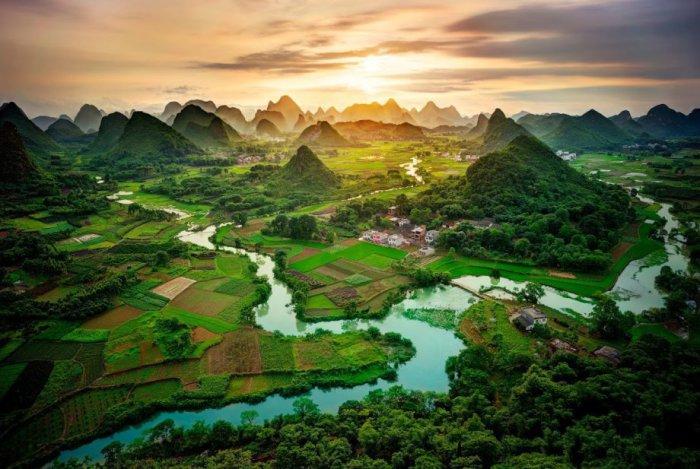 Горы Гуанси, Китай.