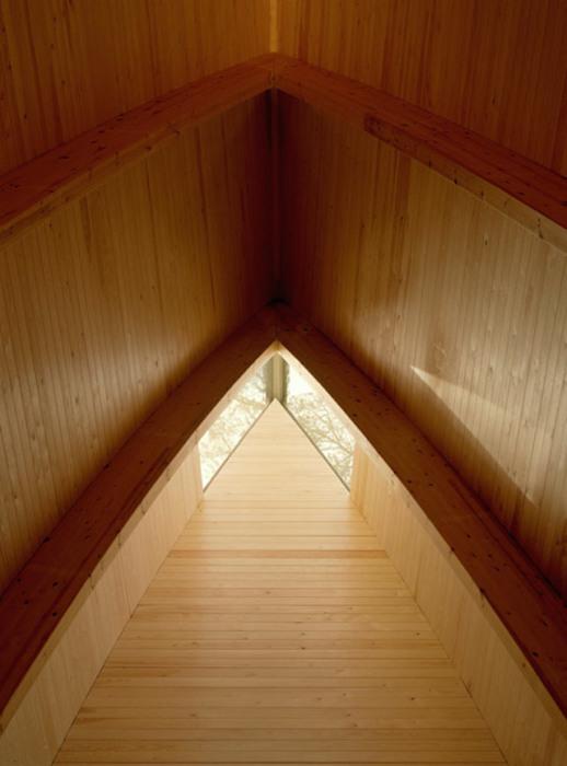 Уникальная часовня от Sanaksenaho Architects.