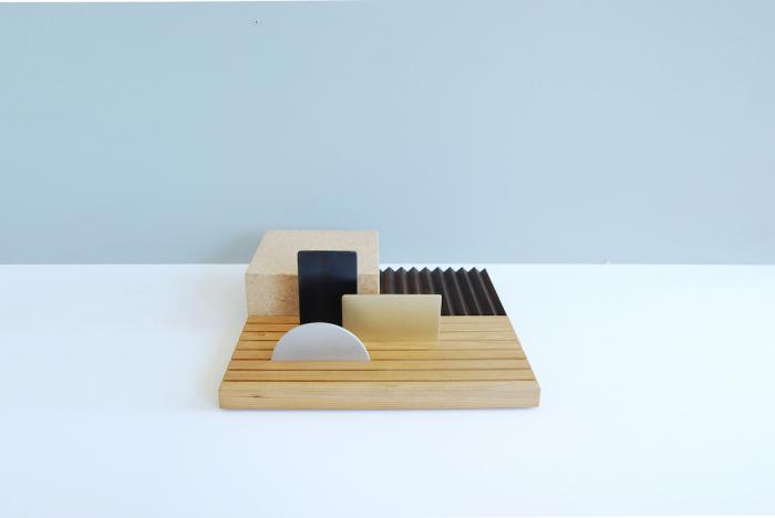 Стильный набор офисных принадлежностей в стиле минимализм.