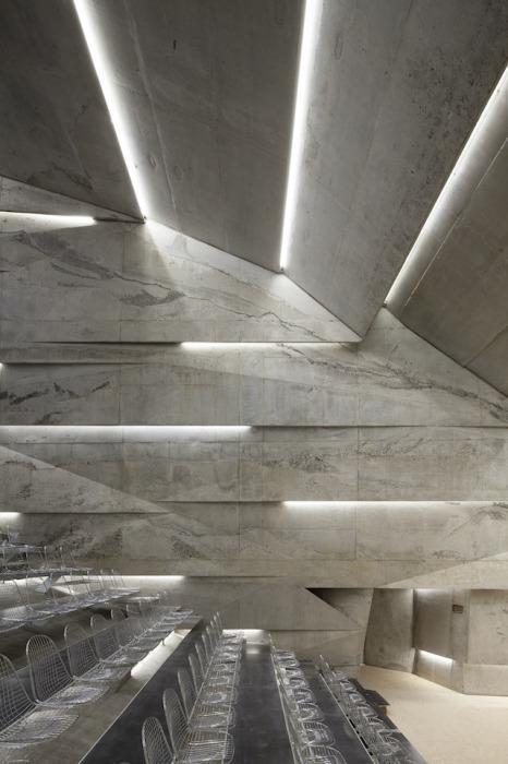 Концертный зал под землей в Германии.