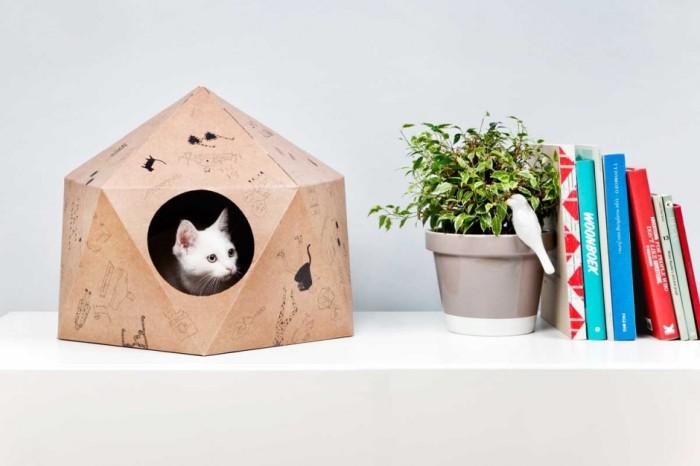 Картонный домик для кошки от Дельфина Курье (Delphine Courier).