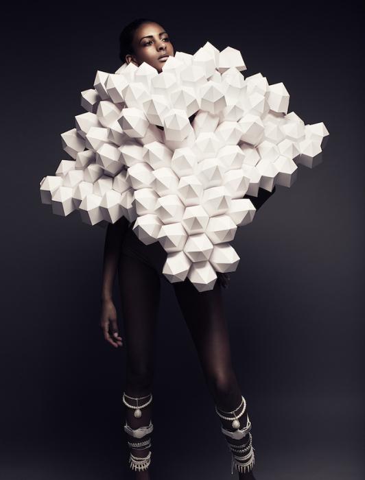 Впечатляющие бумажные наряды от Беа Шенфельд (Bea Szenfeld).