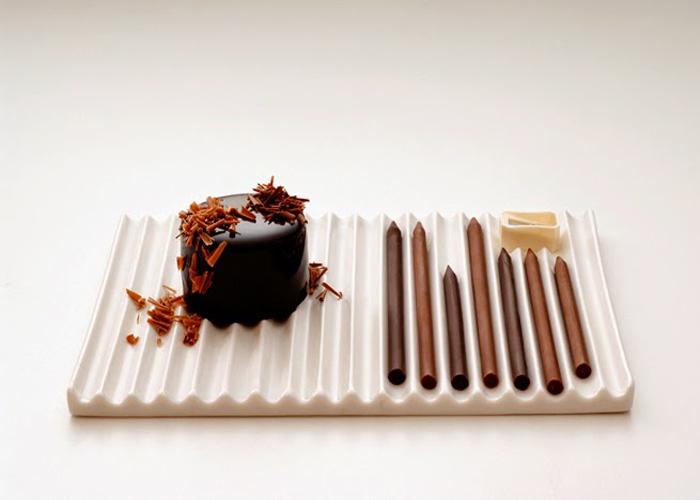 Набор шоколадных карандашей.