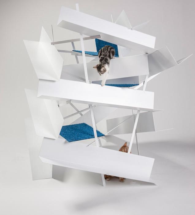 Необычный домик для кота от Lehrer Architects.