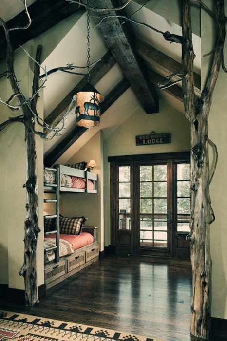 Современный дизайн спальни с двухъярусной кроватью.
