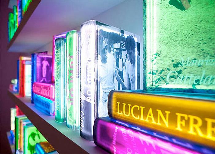 Люминесцентные книги от Airan Kang.