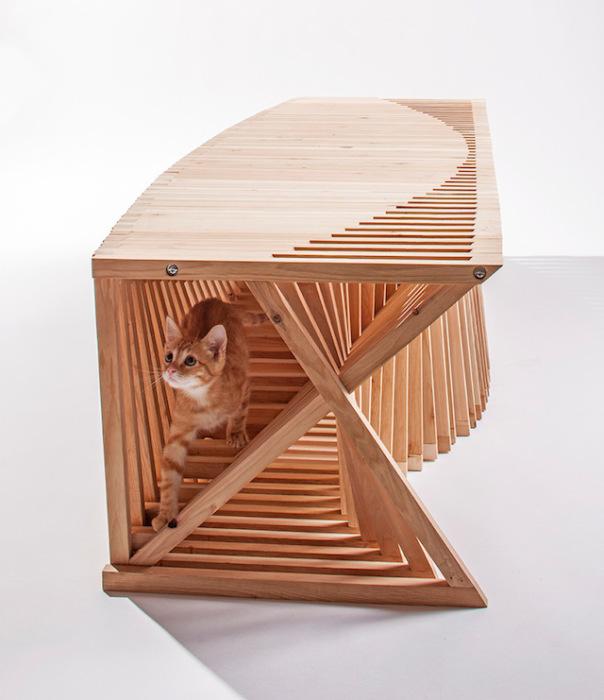 Необычный деревянный домик для кота от Formation Association + Edgar Arceneaux.