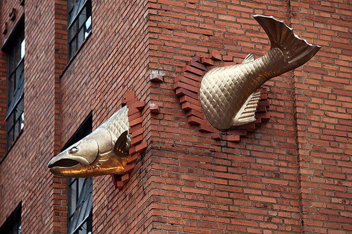 Скульптура лосося, Портленд, Орегон, США.