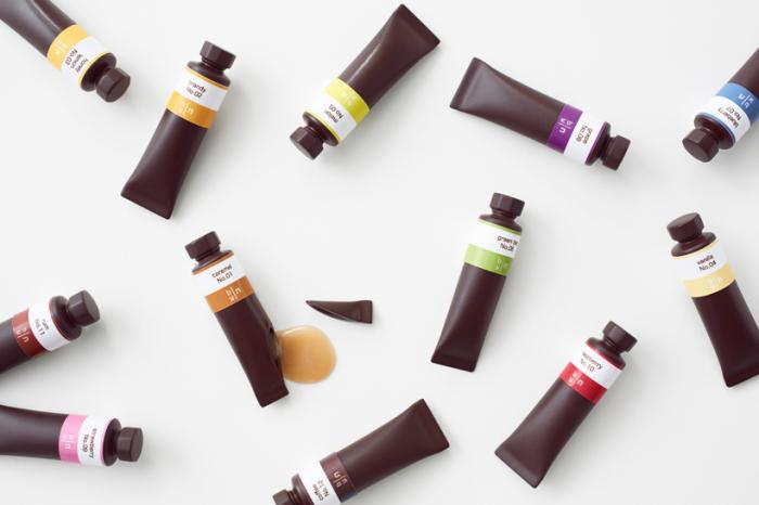 Конфеты в виде тюбиков художественной краски.