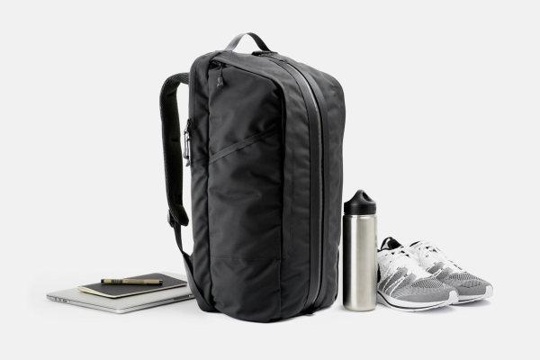 Универсальный рюкзак для офиса и тренировок Duffel Pack .