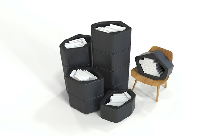 Универсальные полки в качестве контейнеров для хранения мелких вещей.