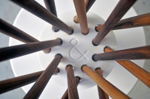 Столик ручной работы от студии Ampersand
