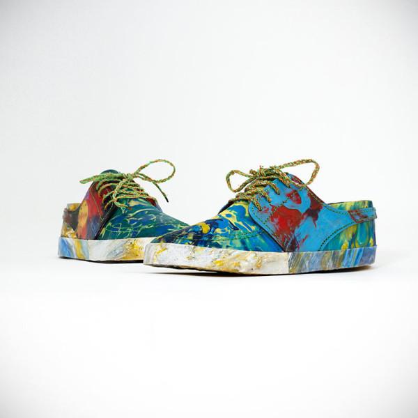 Обувь из пластмассовых отходов - новый взгляд на борьбу с загрязнением окружающей среды.