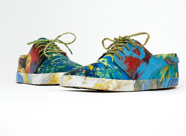 Стильная обувь, созданная из пластиковых отходов.