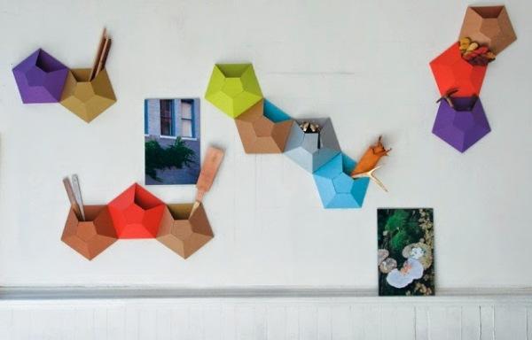 Яркие предметы декора в виде настенных карманов от дизайн-студии Ampersand.