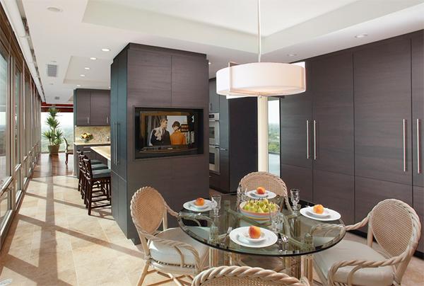 Дизайн кухни от Michael A. Menn.