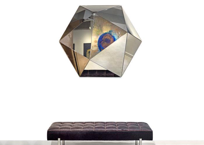 Зеркальные предмет декора от Joe Doucet.