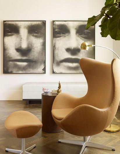 Необычные черно-белые портреты в интерьере от Chloe Warner.
