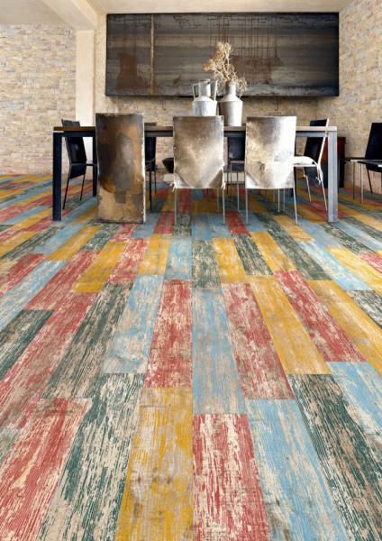 Плитка из керамогранита, имитирующая натуральное дерево, от компании Beaumont Tiles.