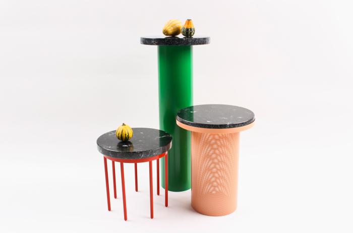 PEDESTAL - комплект оригинальных кофейных столиков различной высоты.