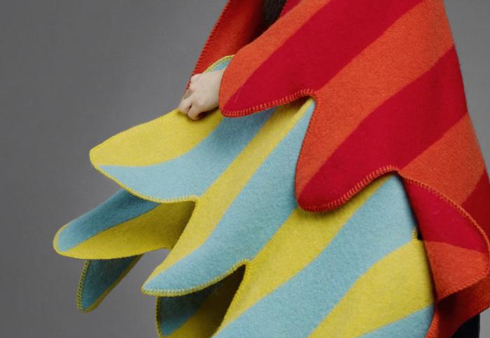 Стrильные красочные изделия из овечьей шерсти от Vik Prjonsdotti.
