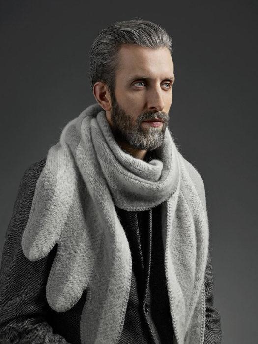 Стильный шарф под названием Лебедь (The Swanот) от Vik Prjonsdottir.