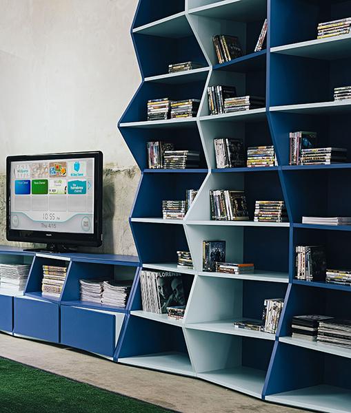 Оригинальные книжные полки от Henrique Steyer, дизайн-студия ALBUS