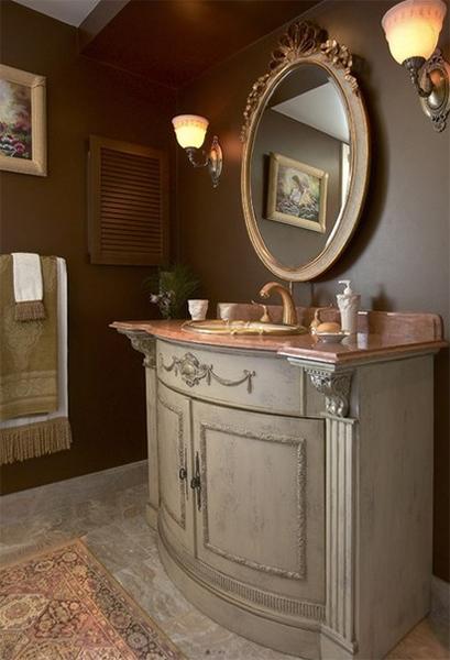 Изысканный шкафчик в интерьере ванной комнат от Roomscapes Luxury Design Center.