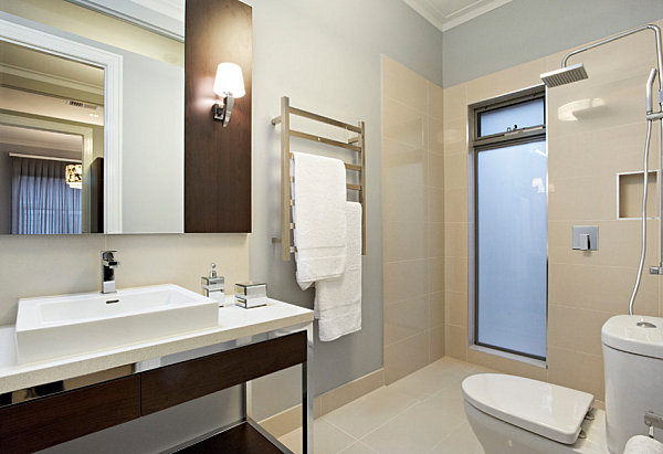 Дизайн ванной комнаты в квартире от A Sense of Style.