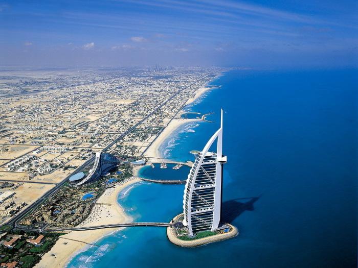 Дубай – самый крупный торговый, туристический и финансовый центр Ближнего Востока.