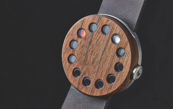 стильный часы с деревянным циферблатом от компании Grovemade.