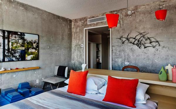 Спальная комната в номере отеля The Line Hotel.