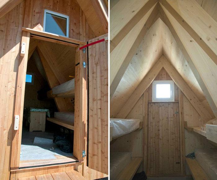 Небольшой, но уютный домик в горах: вид изнутри.
