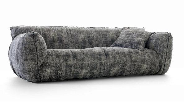 Мягкая мебель из серии Nuvola collection.