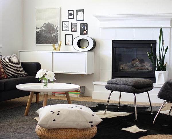 Стильный интерьер в черно-белой цветовой гамме.