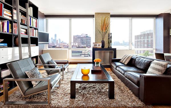 Ковер с высоким ворсом в интерьере гостиной от Noha Hassan Designs.