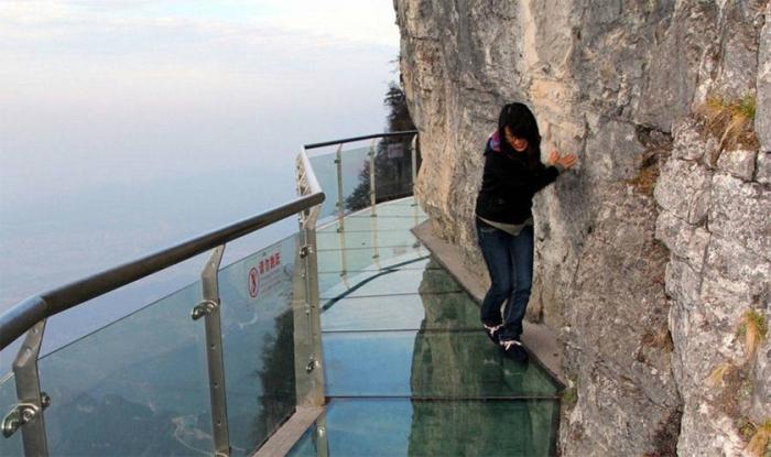Стеклянная дорожка, расположенная на высоте 1430 метров.