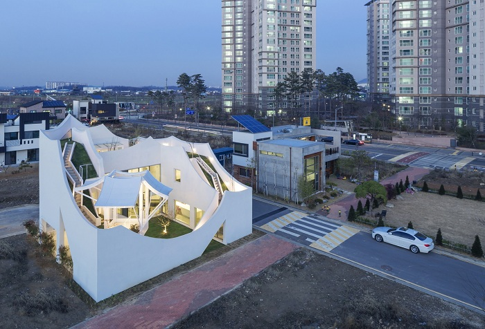 Архитекторский проект южно-корейской фирмы IROJE KHM Architects.